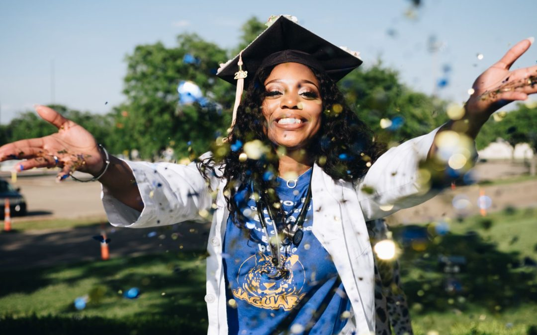 Make Straight A's in College: Here's How You Do It Sis!